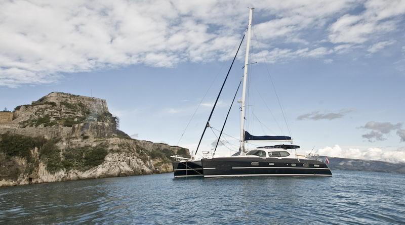 catamaran-priviledge-585-1