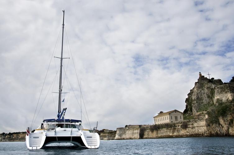 catamaran-priviledge-585-7